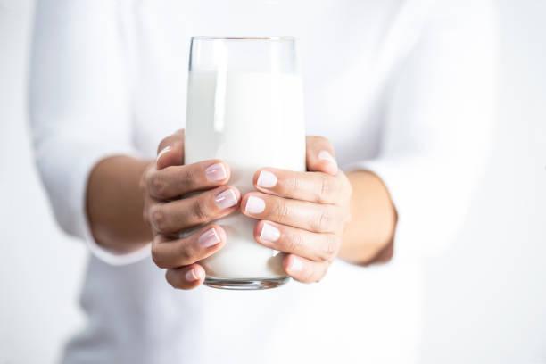 فوائد واضرار الحليب